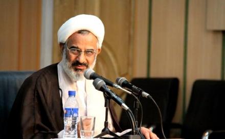 ادبیات هاشمی در شأن رئیس مجمع تشخیص مصلحت نظام نیست
