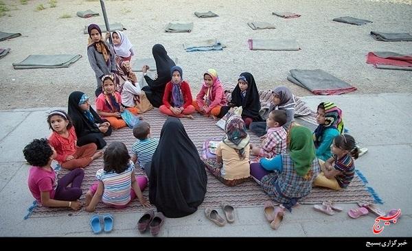 16 گروه جهادی از بسیج قم به مناطق محروم کشور اعزام شدند
