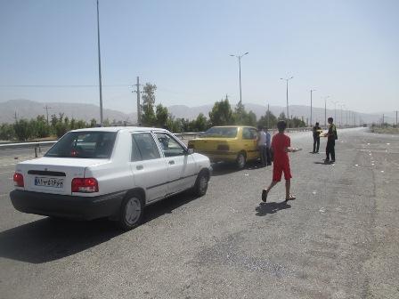 برگزاری ایستگاه صلواتی بین جاده ای در ورودی سروستان