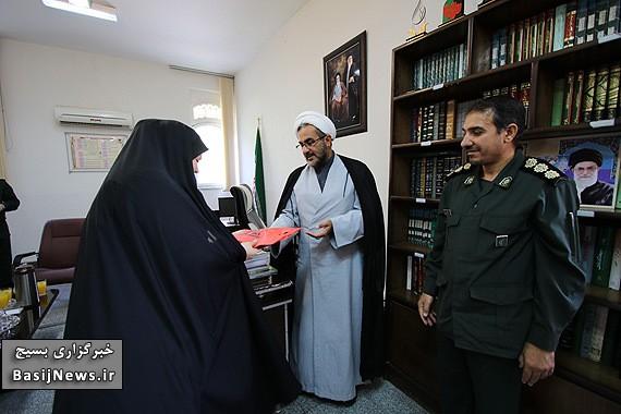 از بانوان خبرنگار برتر در حوزه عفاف و حجاب استان فارس تجلیل شد