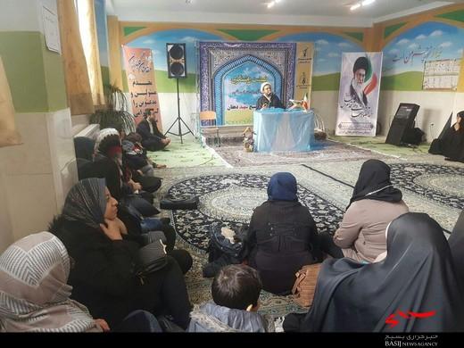 نشست نهضت روشنگری درپایگاه بسیج شهید دهقان برگزار شد.