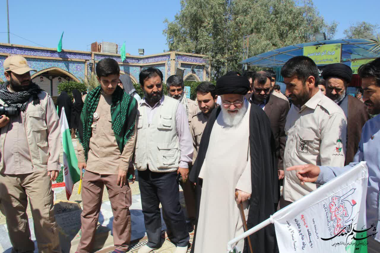 رهبرمعظم انقلاب اسلامی در بیانیه گام دوم، جوانان را مخاطب اصلی خود قرار داده اند