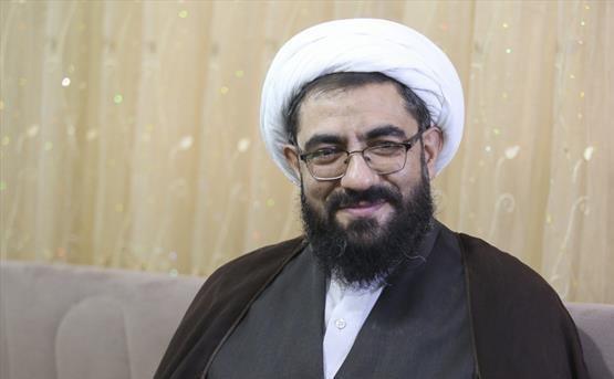 مرزبانی از اسلام و انقلاب وظیفه ذاتی روحانیت و پاسداری است