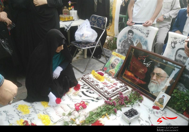 مراسم جشن تولد ۳۰ سالگی شهید مدافع حرم در کرج