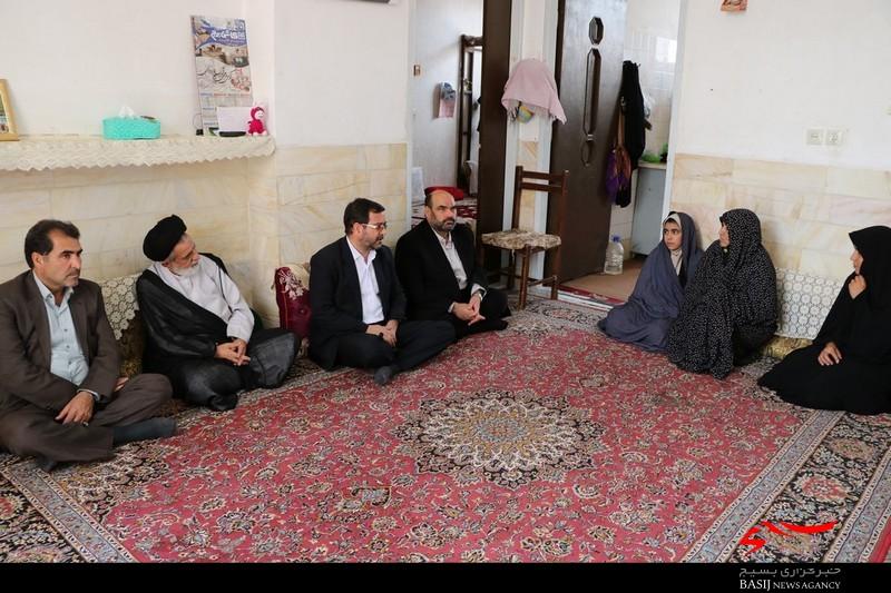 سرکشی مدیرکل بنیاد شهید استان یزد از خانواده شهدا و ایثارگران اردکان