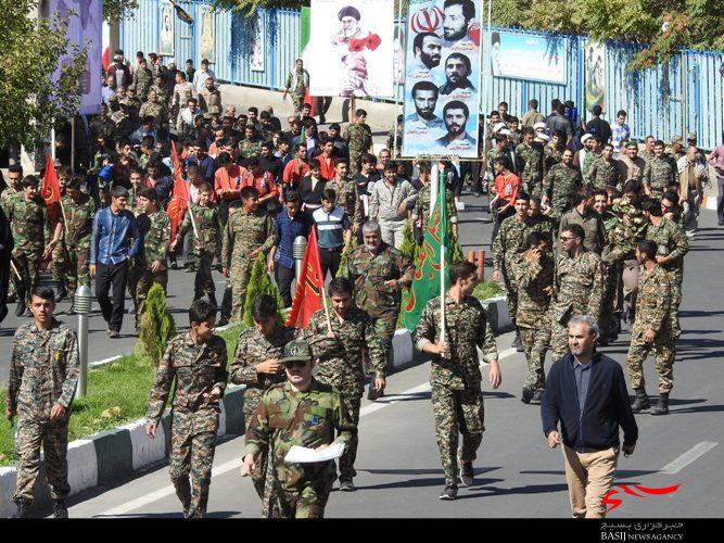 رزمایش اقتدار عاشورایی، نشانگر حیات و سرزندگی ملت ایران است