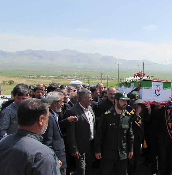 پیکر جانباز شهید غلامرضا رفیعی در شازند تشییع شد