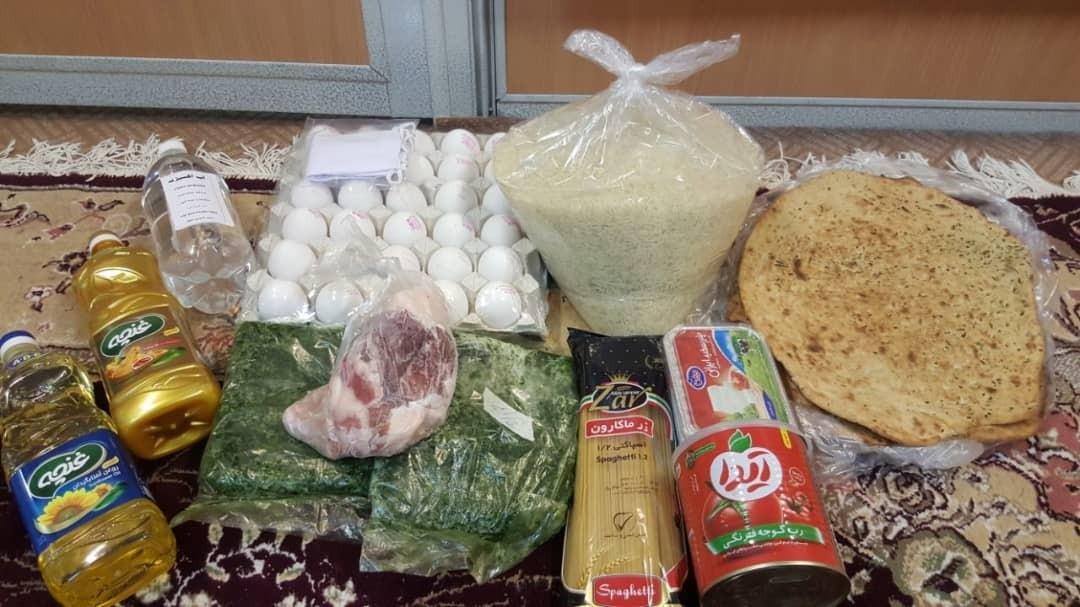 کمکهای نقدی و ۱۴۰ بسته معیشتی بین نیازمندان خمینی شهرتوزیع شد